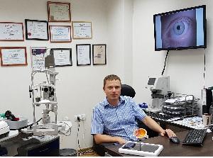 Лечение кератоконуса в Израиле доктор Яков Гольдич
